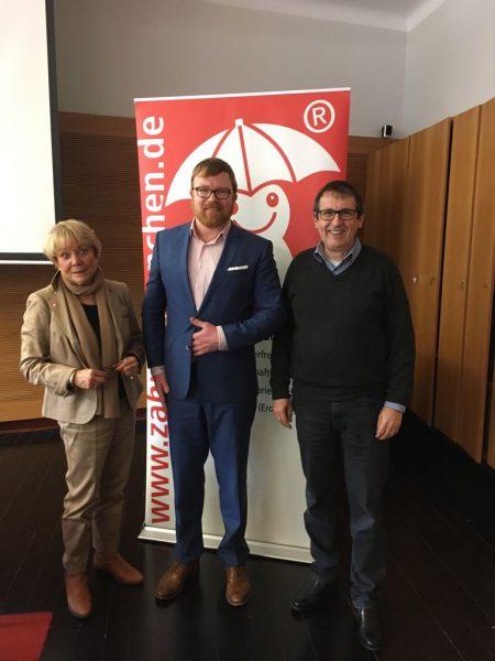 Heidi von Bergh, Dr. Christian Rath, Prof. Stefan Zimmer bei der Mitgliederversammlung des Vereins Aktion zahnfreundlich e.V.